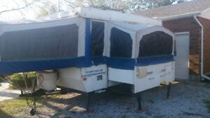 Starcraft Spacemaster Pop up Camper with Side out