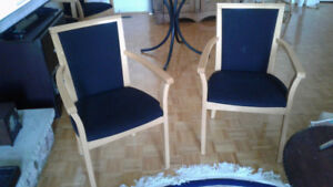 Arm chair Upholstered with solid wood Great Condition