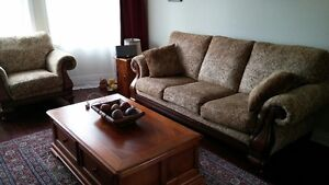 2 LIVINGROOM  COUCHES SOFAS ONE CHAIR 3 PEICES TOTAL Kingston Kingston Area image 7