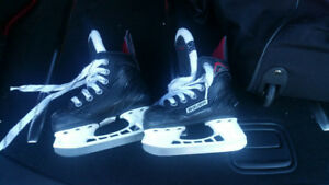 Ice or hockey skates: Kids size 7