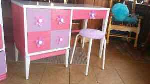 Girls commode and desk