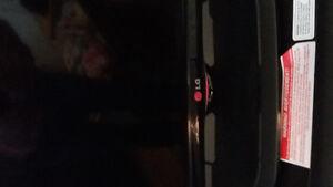 LG 32 inch TV flatscreen