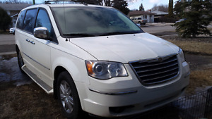 2010 Town & Country Limited