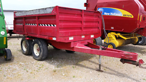 JOHN B.M. MFG. LTD. T800 DUMP WAGON