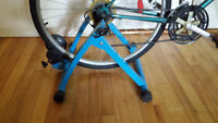 indoor trainer ''exercise Blue'' for bicycle