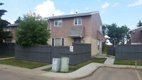 Beautiful 3BR Townhouse in Callingwood