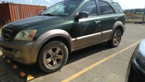 2004 KIA SORENTO SUV Eddie Bower Leather Edition - $2000