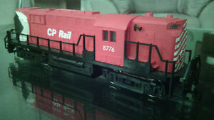 HO CP Rail RS11 by Mehano