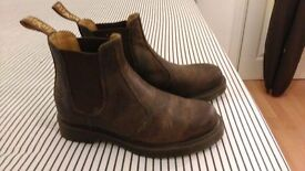 Dr Martens, Brown Chelsea Boots