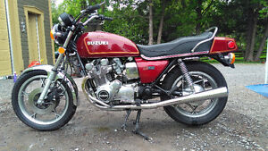 beautiful suzuki gs850 1979 original and like new.