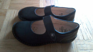 NEW FINN COMFORT Women's Black Leather Shoes Size 8.5