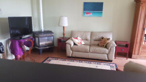 Lovely furnished 1 Bedroom Apartment in Prince Edward County
