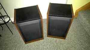 Vintage speakers Stratford Kitchener Area image 1
