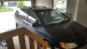 2003 Toyota Sienna with 200 000 km for sale