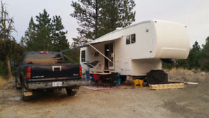 Gulfstream 5th Wheel 31ft with Slide $12000 OBO