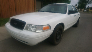 Ford P71 Crown Victoria Police Interceptor *BRAND NEW TIRES*