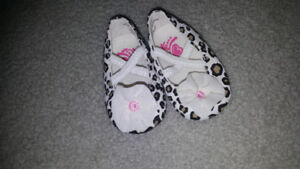 0-3 month shoes euc only warn once