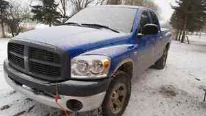 2008 dodge 1500 4x4 4 door truck
