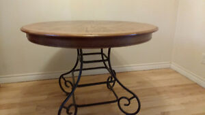 SOLID OAK DINING TABLE ROUND / OVAL WITH METAL BASE Peterborough Peterborough Area image 2