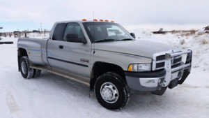 Minty 2001 dodge 3500 dulley 4x4