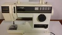 Machine à coudre SINGER - Vintage -