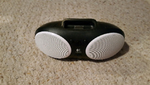 Iphone ipod music player, plug in or battery or aux