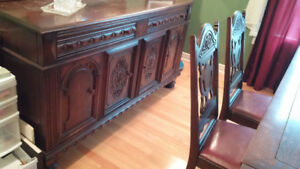 China Cabinet/Chest