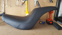 2-Up Badlander Seat For Softail