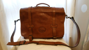 *New lower price* Vintage Leather Satchel/Messenger Bag