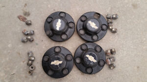 Chevy S10 Center Caps and Lug Nuts