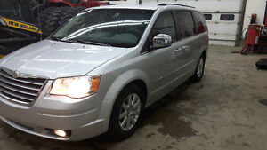 2010 Chrysler Town & Country daul DVD 4.0L