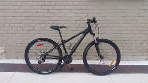 OPUS Sonar 26 inch wheels aluminum mountion bike very good condi