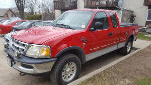 1998 Ford F-150 XL TRITON V8 4X4 3 DOOR.REDUCED $ 4800.00 AS IS