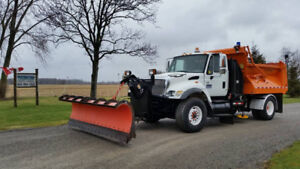 2004 International 7400 Plow & Salter Truck