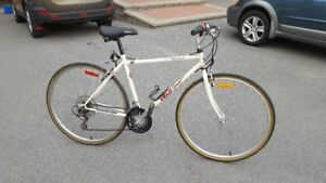 Ready to ride Men's Hybrid bike - medium
