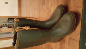 Men's green rubber boots size like new