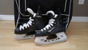 Patins de hockey CCM Ribcor, pointure 3.5 jr - 1 saison Atome