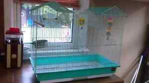 Bird cage and accessories$100 O.B.O. Peterborough Peterborough Area image 5