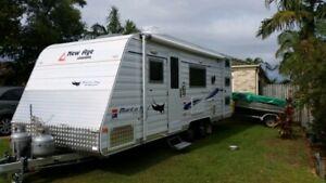 New age mantra ray triple bunk van