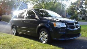 Dodge Grand Caravan SXT faibles KM -Parfaite!Priced to Sell!