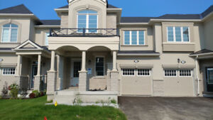 Brand New 3 Bedroom Townhouse in Aurora