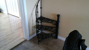ANTIQUE WROUGHT IRON METAL STAIRCASE PLANT STAND