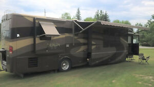 40 ft / 4 slides  WINNEBAGO TOUR Diesel Pusher for Sale