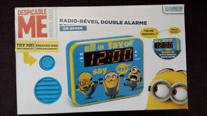 Alarm clock radio -- radio-reveil  Despicable Me MINION