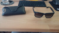 Rayban RB4165 Justin Sunglasses - BRAND NEW, ONLY WORN ONCE