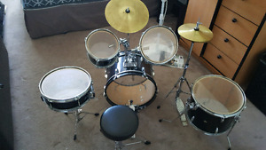 Full kids drum set