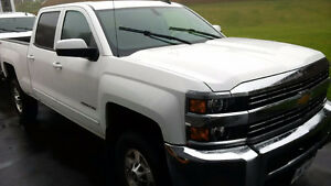 2015 Chev 2500HD Crewcab Gas.  $38900