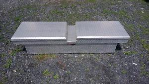 Coffre en aluminium pour pick-up