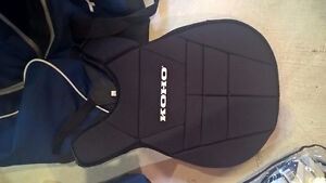 Brand new, never used youth road hockey goalie gear and bag Kitchener / Waterloo Kitchener Area image 4