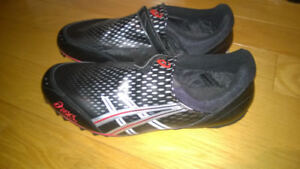 Asics Track and field shoes size 9 US  NEW Hidden laces